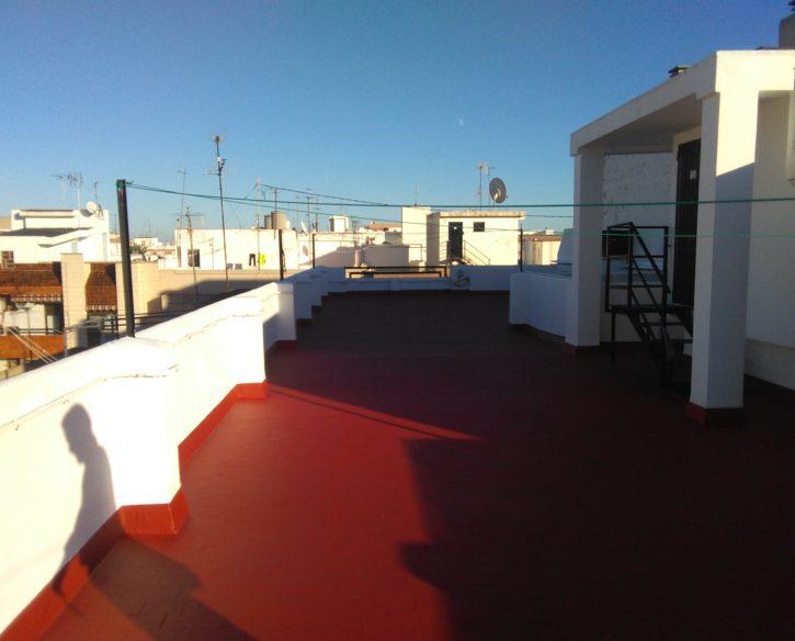 Impermeabilización de terraza y pintura de antepechos y casetón de escalera