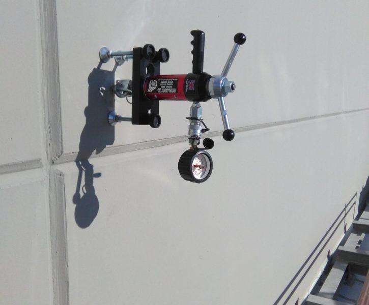 Prueba de resistencia de punto de anclaje con extractómetro