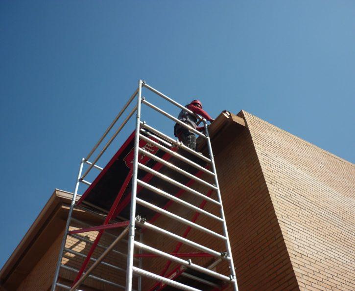 Reparación e instalación de canalones
