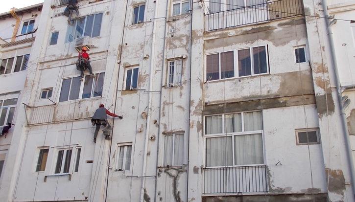 Reparación y pintura de fachada trasera (antes)